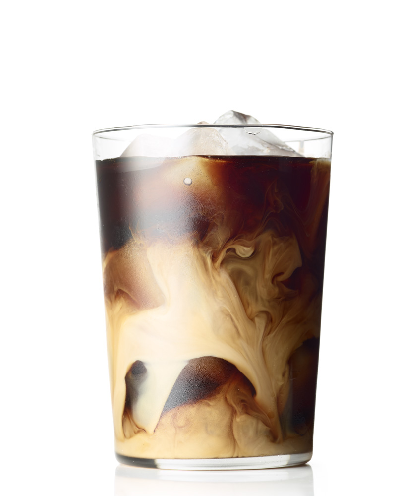 LEVI_BROWN_FN0408131_ICE_COFFEE_003_LOWRES